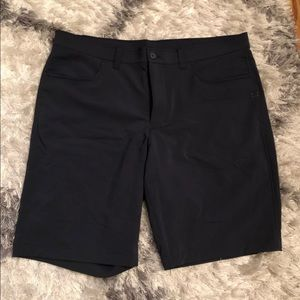 Men's size 38 Under Armour shorts